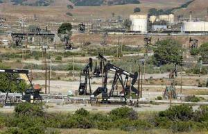 Oil field near San Ardo, Monterey County (Vern Fisher - Monterey Herald)